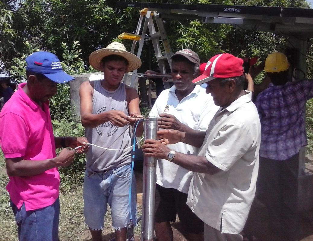 Vorbereitung des Sicherungsseils an der Grundfospumpe