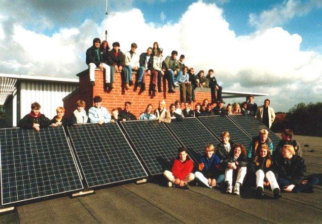 Technik- und Arbeitslehre-Kurse installierten 1996 die erste netzgekoppelte Photovoltaikanlage